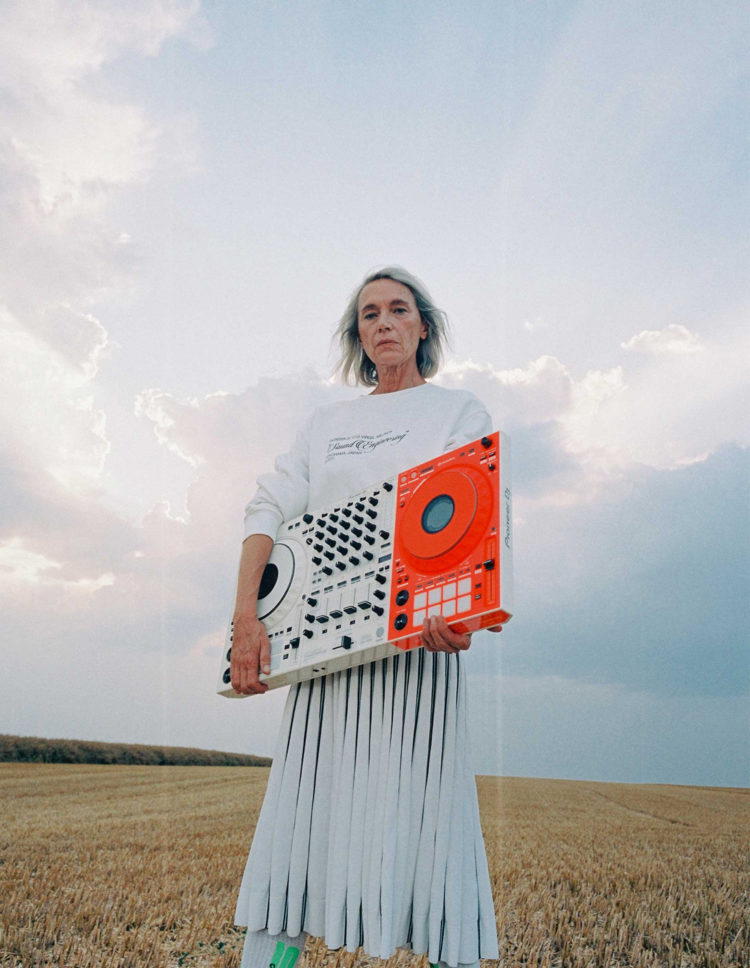 OFF-WHITE × PIONEER DJ